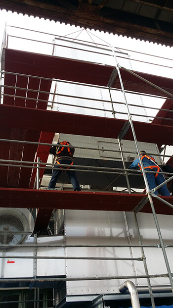 Installation of a stainless steel tower